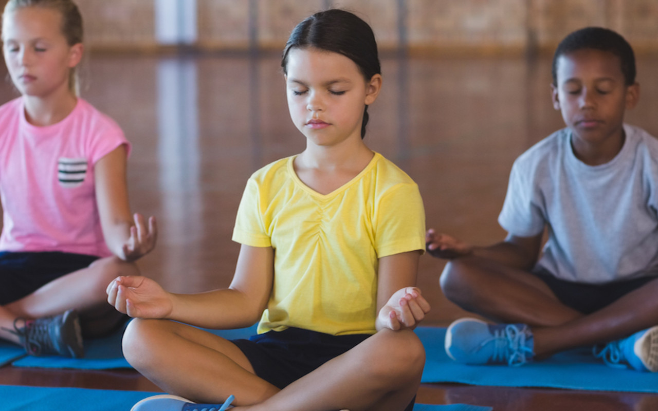 LEVELSIX: Family Yoga with Siobhan Power